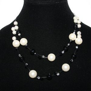 Beautiful layered black and pearl necklace adjust